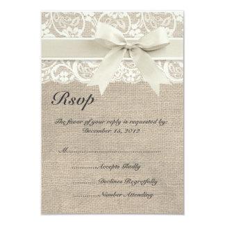 Cinta de marfil y arpillera del cordón que casan invitación 8,9 x 12,7 cm