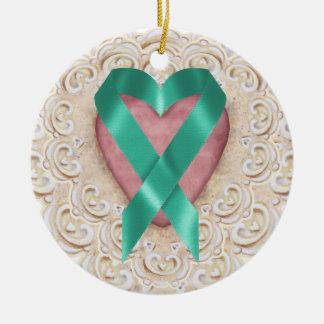 Cinta del corazón - SRF del cáncer del trullo Adorno Navideño Redondo De Cerámica