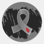 Cinta gris de la diabetes juvenil con garabato pegatina redonda