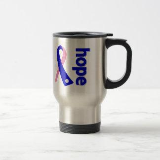 Cinta masculina de la esperanza del cáncer de pech taza de café