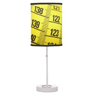 Cinta métrica lámpara de mesilla de noche