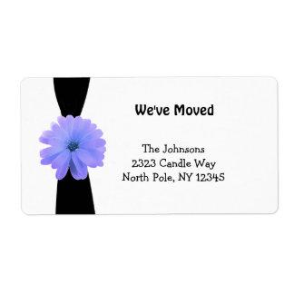 Cinta negra con la nueva dirección de la flor etiquetas de envío