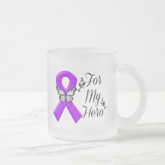 Cinta púrpura de la conciencia para mi héroe taza de café esmerilada