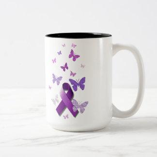 Cinta púrpura de la conciencia taza de café de dos colores