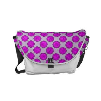 Cinta púrpura de la flor bolsas messenger