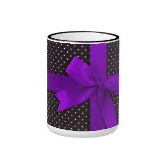 Cinta púrpura del lunar taza de dos colores