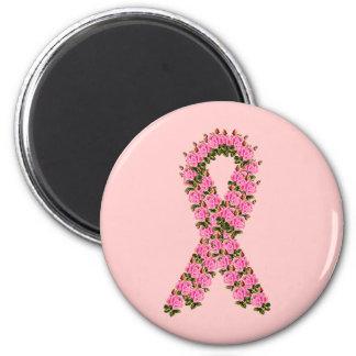 Cinta rosada hecha de rosas rosados imán redondo 5 cm