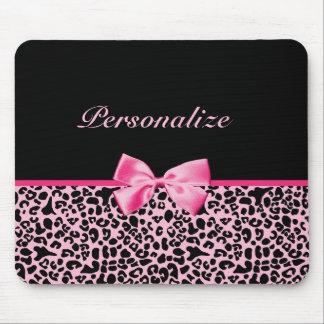 Cinta rosada y negra de moda de las rosas fuertes  mousepads