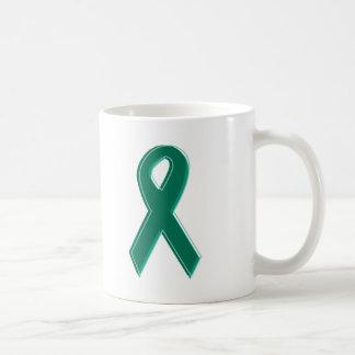 Cinta verde de la conciencia taza de café