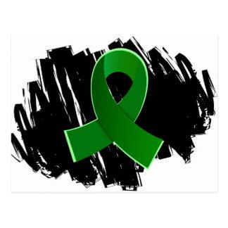 Cinta verde de la donación de órganos con garabato postales