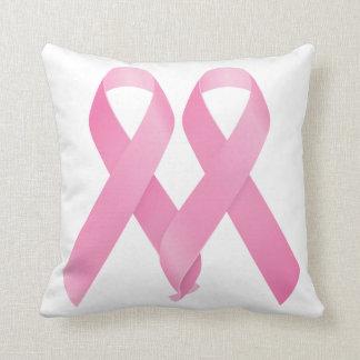 Cintas rosadas abrochadas cojin