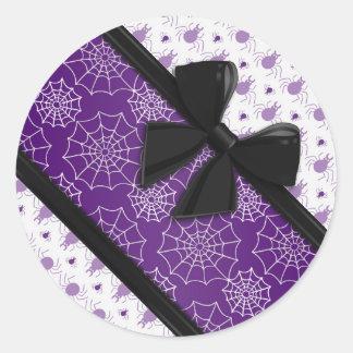 Cintas y arañas elegantes Halloween Etiquetas Redondas