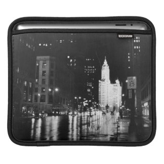 circa 1954:  A view down Michigan Avenue Sleeve For iPads