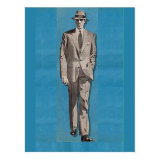 circa hombre del aparador del sostenido 1950 postales