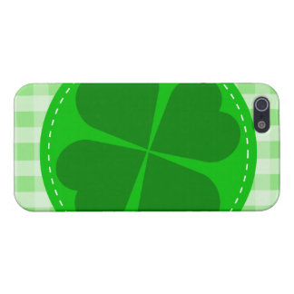 Circle hearted Shamrock w green ribbed background Cover For iPhone SE/5/5s