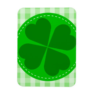 Circle hearted Shamrock w green ribbed background Flexible Magnets