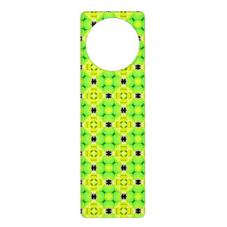 Circle Lattice of Floral Lime Green Modern Quilt Door Hanger