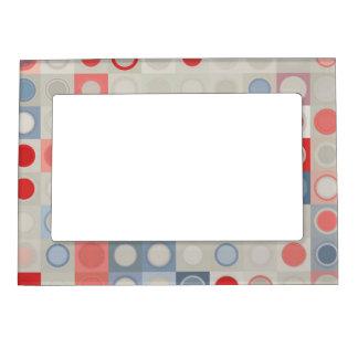 Circles pattern magnetic frame