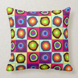 circles pattern pillow