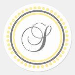 Círculo amarillo/gris del monograma de S (del punt Etiquetas Redondas