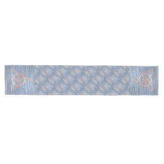 Círculo azul del nudo de la trinidad del oro camino de mesa mediano