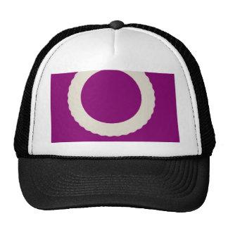 círculo blanco con el fondo púrpura gorras de camionero
