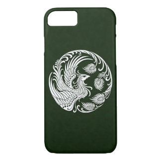 Círculo blanco tradicional de Phoenix en verde Funda iPhone 7