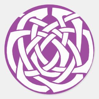 Círculo céltico púrpura etiqueta redonda