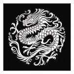 Círculo chino blanco y negro tradicional del dragó comunicados