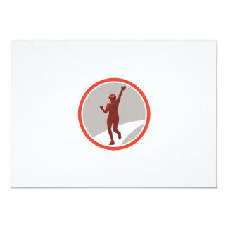 """Círculo corriente femenino del corredor de maratón invitación 5"""" x 7"""""""