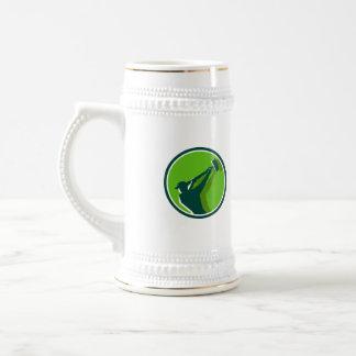 Círculo de la almádena del trabajador de jarra de cerveza