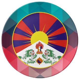 Círculo de la bandera de Tíbet en bokeh moderno Plato De Cerámica