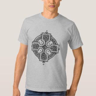 Círculo de la cruz céltica polera