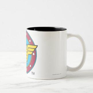 Círculo de la Mujer Maravilla el | y logotipo de Taza De Café De Dos Colores