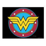 Círculo de la Mujer Maravilla y logotipo de las es Tarjeta Postal