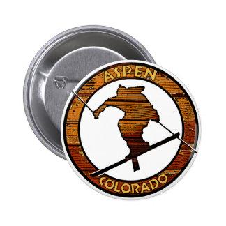 Círculo de madera del esquiador de Aspen Colorado Pin Redondo De 2 Pulgadas