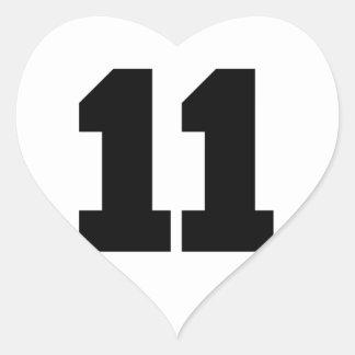 Círculo del número 11 pegatina en forma de corazón