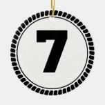 Círculo del número siete ornamentos de reyes