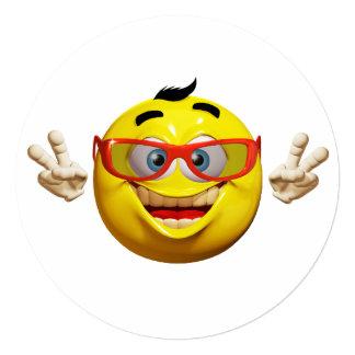 Círculo divertido de la invitación del emoticon