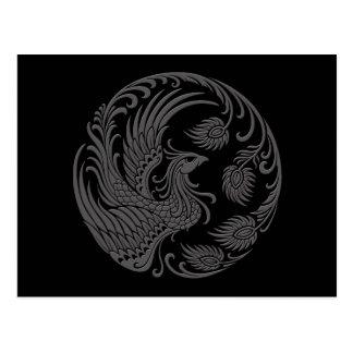 Círculo gris tradicional de Phoenix en negro Postal