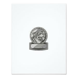 """Círculo metálico del escudo del perro guardián de invitación 4.25"""" x 5.5"""""""