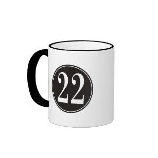 Círculo negro #22 (frente) taza de dos colores