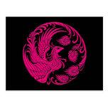 Círculo rosado tradicional de Phoenix en negro Tarjetas Postales