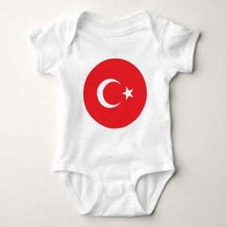 Círculo turco de la bandera camisas