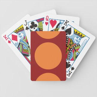 Círculos anaranjados en rojo baraja cartas de poker