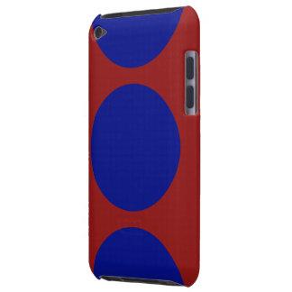 Círculos azules en rojo barely there iPod carcasa