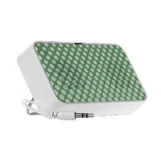 Círculos blancos de conexión en cascada en verde l notebook altavoz