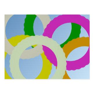 Círculos blancos, verdes, púrpuras, amarillos, mar postales