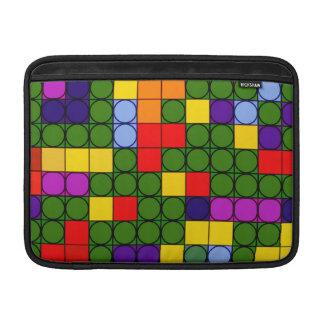 Círculos coloridos en cuadrados fundas macbook air