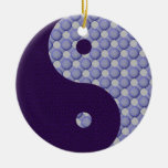 Círculos dentro del ornamento de Yin Yang de los c Ornato